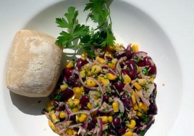 Maissalat mit Thunfisch und Kidneybohnen