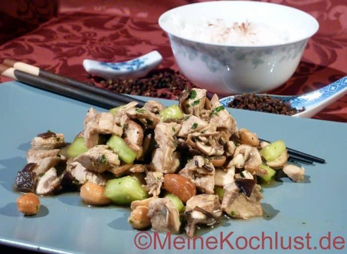 Pikanter chinesischer Hähnchensalat