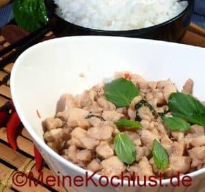 Hühnerbrust mit Chilis – Pad Kee Mao Gai