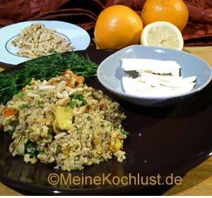 Bulgursalat mit Hackfleisch, Schafskäse und Orangen-Vinaigrette