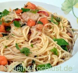 Spaghetti mit Garnelen und Limetten-Chiliöl