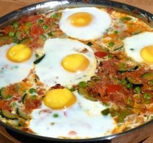 Eier im Gemüsebett - Huevos a la flamenca
