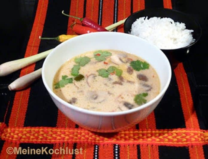Thailändische Hühnersuppe mit Zitronengras
