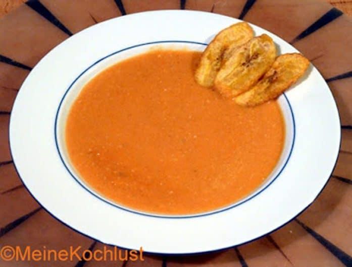 Kürbissuppe mit Kochbananen