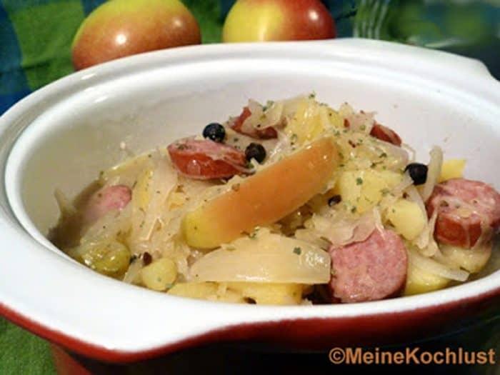 Sauerkrauteintopf mit Mettenden